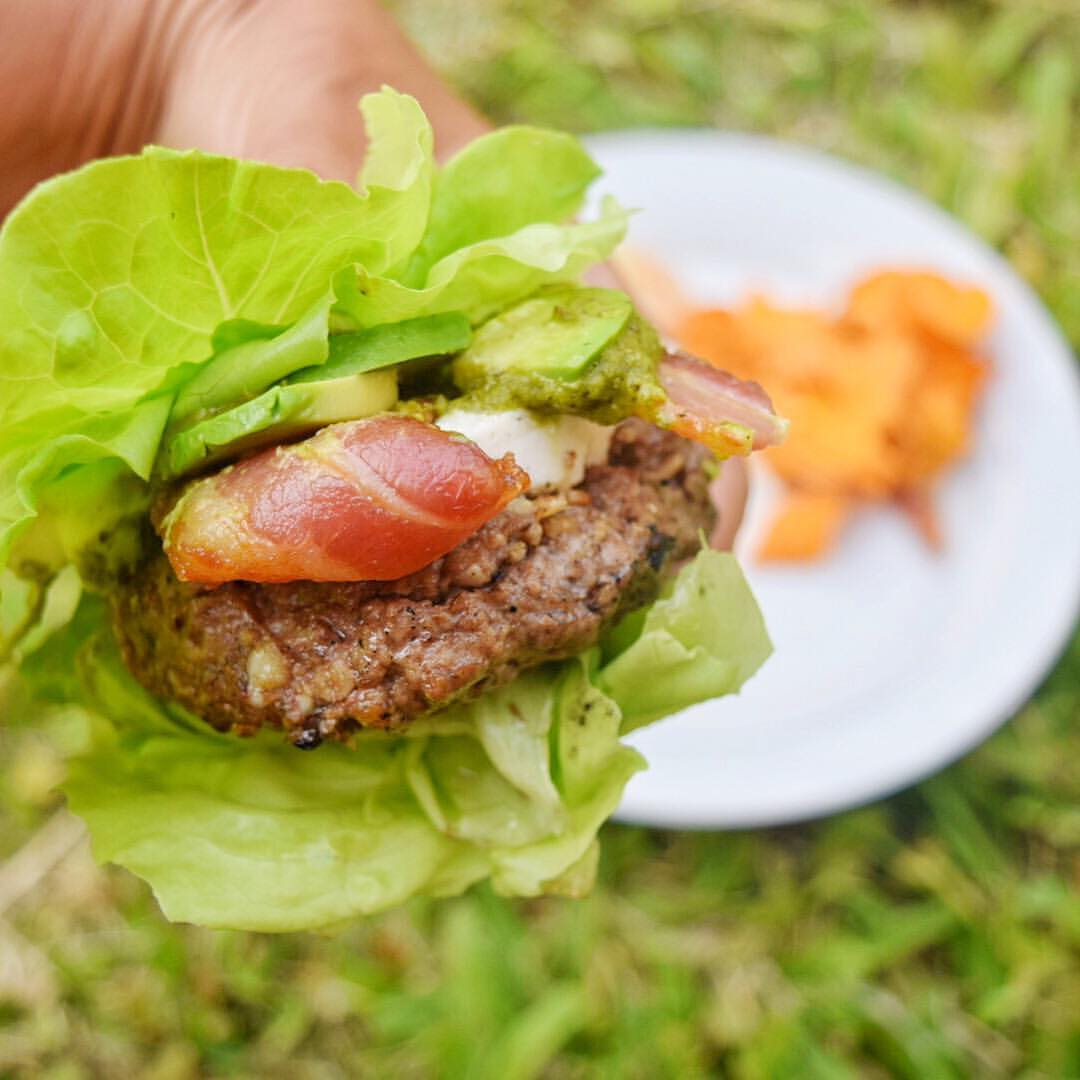 bunless burger with lettuce and bacon