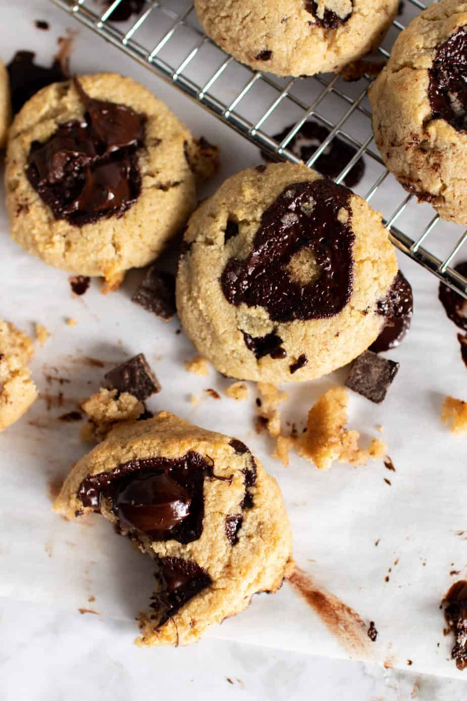 chewy keto chocolate chip cookies