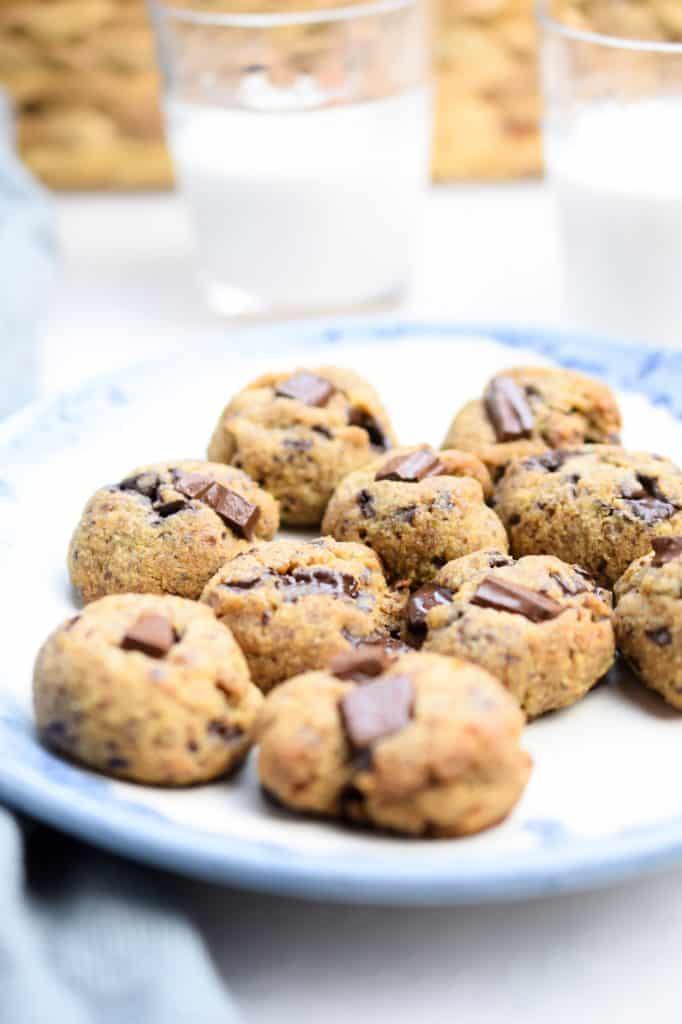 egg free tahini chocolate chip cookies