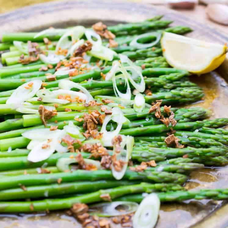 asparagus salad with fried garlic