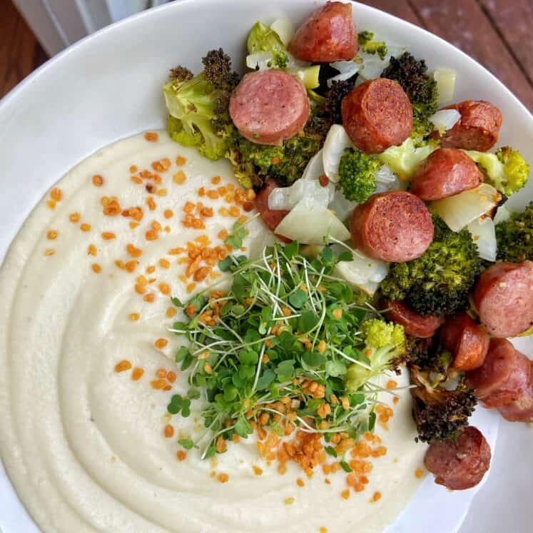 air fryer broccoli and bratwursts